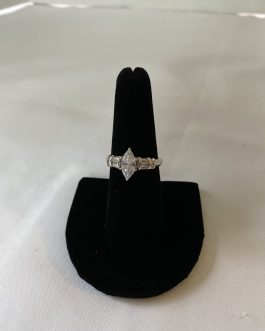 Beautiful Sterling Silver And Clear Stone Ring, Size 7 1/2