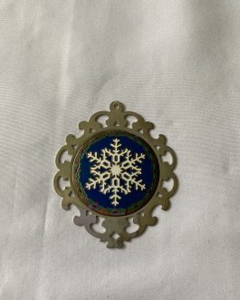 Lunt Sterling Silver Christmas Snowflake Ornament 1986 With Cloth Holder